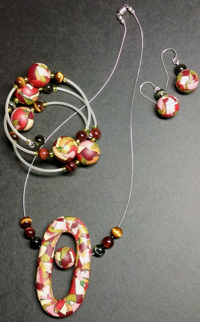 Inspired by the fall color palette - Necklace, bracelet and earrings set